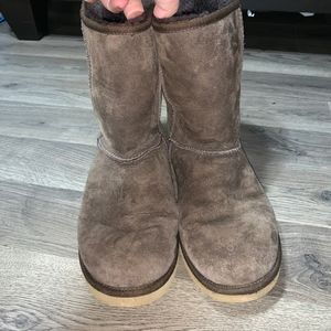 UGG Shoes - UGG Classic Short Brown Boots / 9